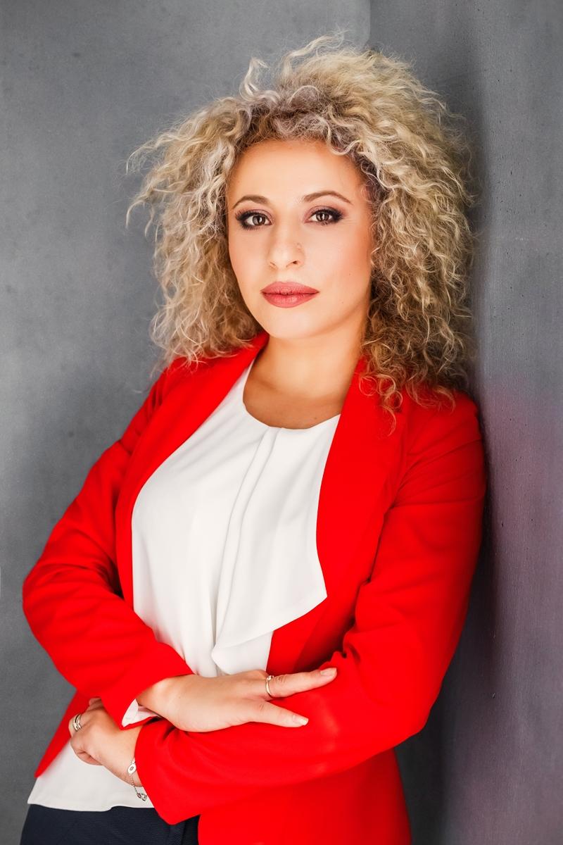 """Proiectul internaţional """"Media Kit pentru IMM-uri"""" Bianca Tudor: """"Tot mai multe companii caută tineri pentru promovarea în Social Media"""""""