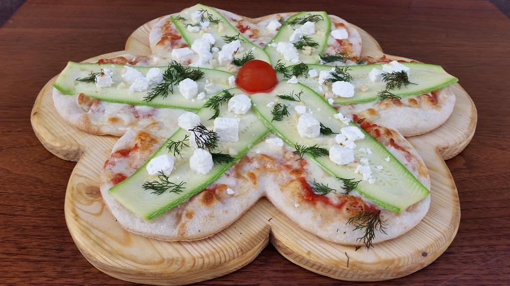 O reteta de pizza creata pentru Luna Femeii,   Petala de primavara