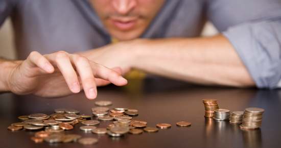 STUDIU: 60% dintre romani au probleme financiare. Ce solutii exista pentru acestia?