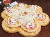 O reteta de pizza pentru Valentine's Day,   Floare îndragostita