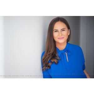 Fosta jurnalistă Bianca Suciu Sharma, fondatoarea site-ului Allaboutjobs.ro, culege povești. Povești despre angajați și angajatori