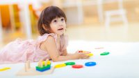 Sa cumpar jucarii pentru copiii de 3 ani confectionate din lemn?