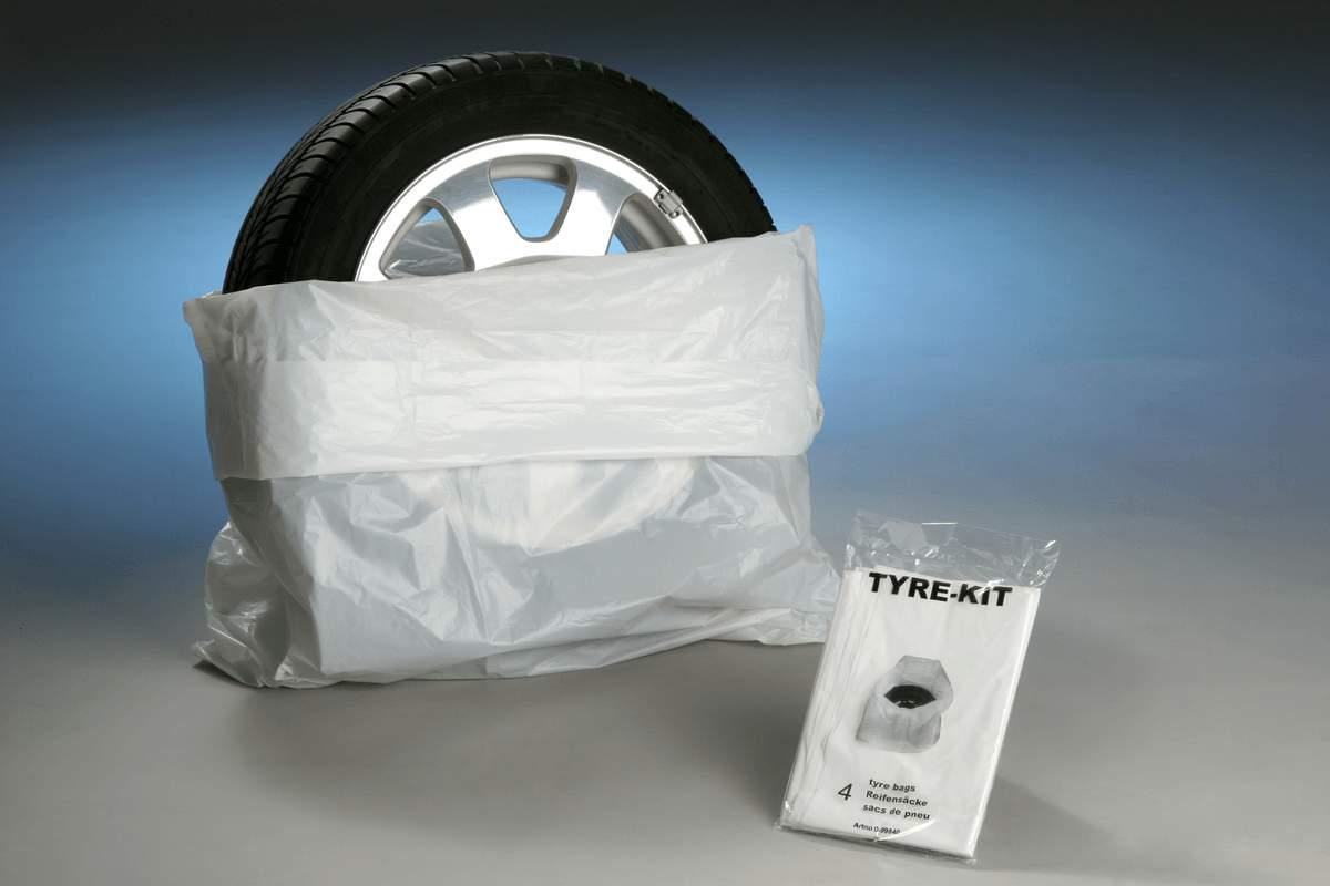 Atentia se opreste astazi la seturile de protectie auto pentru interior