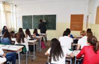 Elevii de liceu învață obiceiuri financiare sănătoase într-un program Junior Achievement susținut de KRUK România