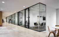 3 motive pentru a alege panourile decorative din sticla pentru birou