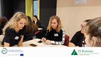 Încurajarea tinerelor eleve prin participarea la atelierele digitale și antreprenoriale susținute de EIT