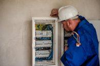Cautati un electrician in Brasov care sa va scape de probleme?