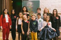 Record de generozitate la Festivalul Brazilor de Crăciun: cel mai licitat brad a obținut 180.000 euro. Fonduri totale de peste 700.000 de euro, pentru accesul la educație al copiilor vulnerabili