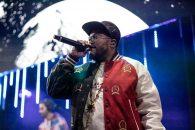 Black Eyed Peas au purtat ținute Tommy Hilfiger