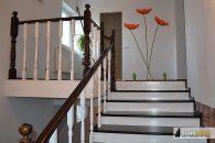 O paleta diversificata de scari interioare din lemn pentru orice casa