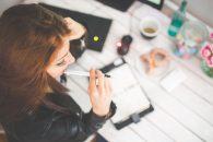 Cum ajută un curs de coafură persoanele care doresc un loc de munca plăcut şi de viitor?