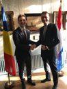Întâlnire între ministrul delegat pentru Afaceri Europene, Victor Negrescu, și ministrul Afacerilor Externe olandez, Halbe Zijlstra