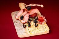 Conacul Baciului, prima băcănie cu gusturi cu tradiție din Buzău